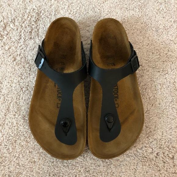 Birkenstock Shoes - Women s Black Birkenstock Gizeh Sandals. Size  39 c30eef6167